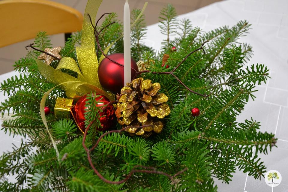 Przedszkolaki z życzeniami świątecznymi